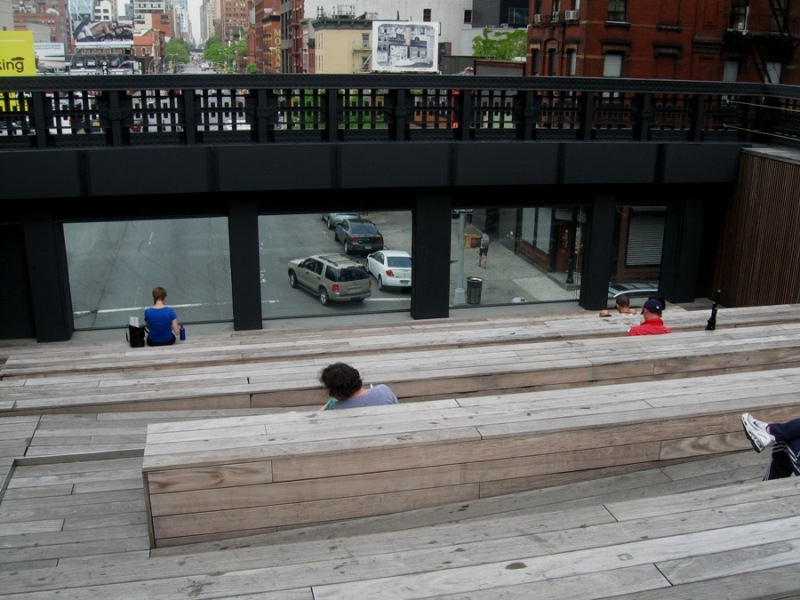 High Line 10th Street Square