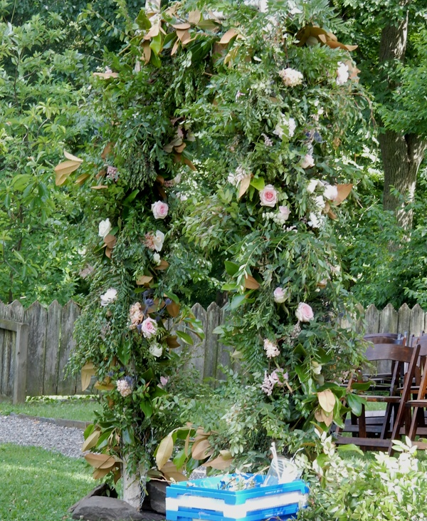 rosy wedding arch